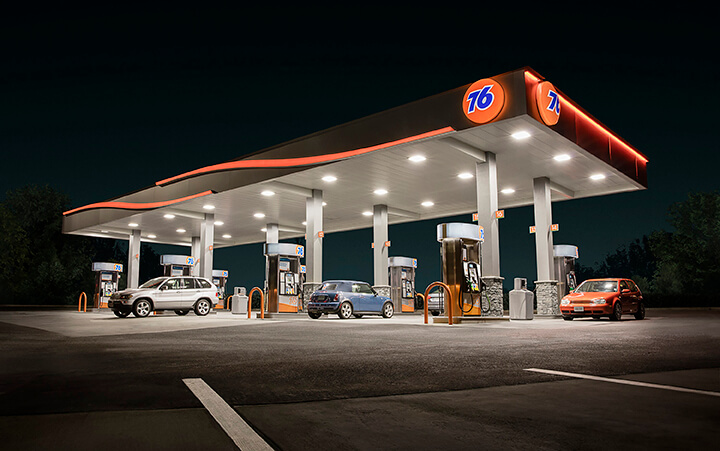 76 fuel brand Wave premier image at night